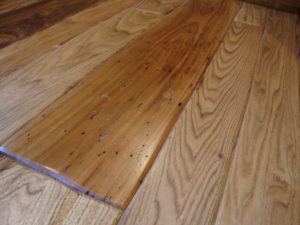 "7"" Wormy Butternut Floor with Soft Scrape Edges"