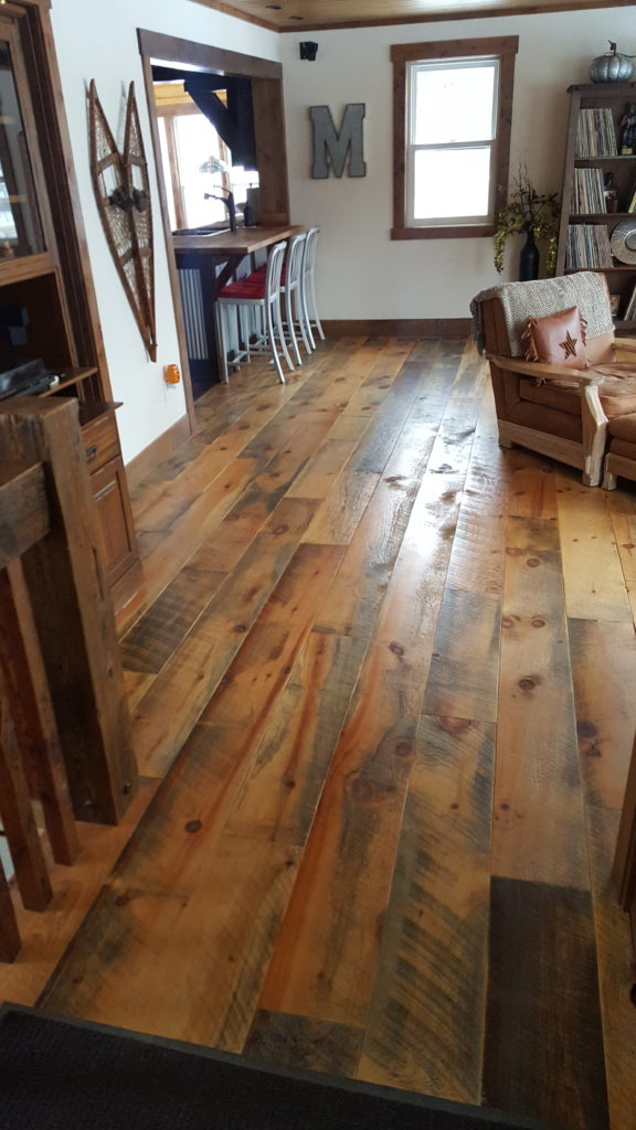 Face details balsam wide plank flooring for Carriage house flooring